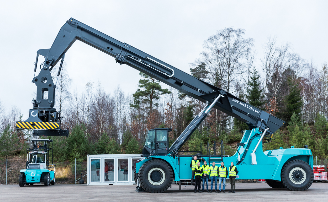 Basf Extend Their Fleet With Another Konecranes Barge