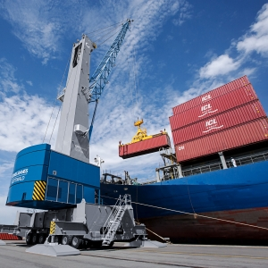Konecranes Gottwald Model 6 Mobile Harbor Crane.jpg