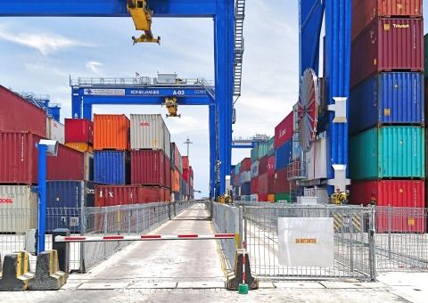 Container Handling Equipment | Konecranes