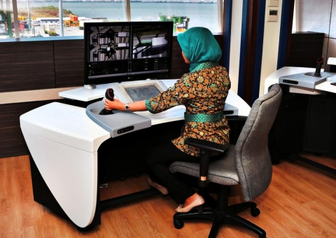 NEXT GENERATION AUTOMATED CONTAINER HANDLING image