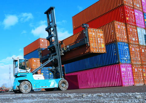 Container handling in Portland Container Repair, Oregon_image