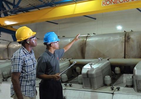 Customer and Konecranes expert discuss preventive maintenance