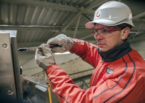 Konecranes technician fixes a hoist