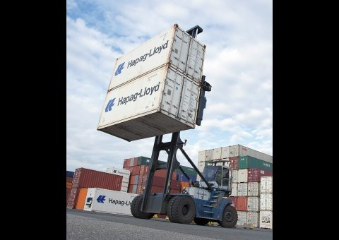 Container lift trucks image